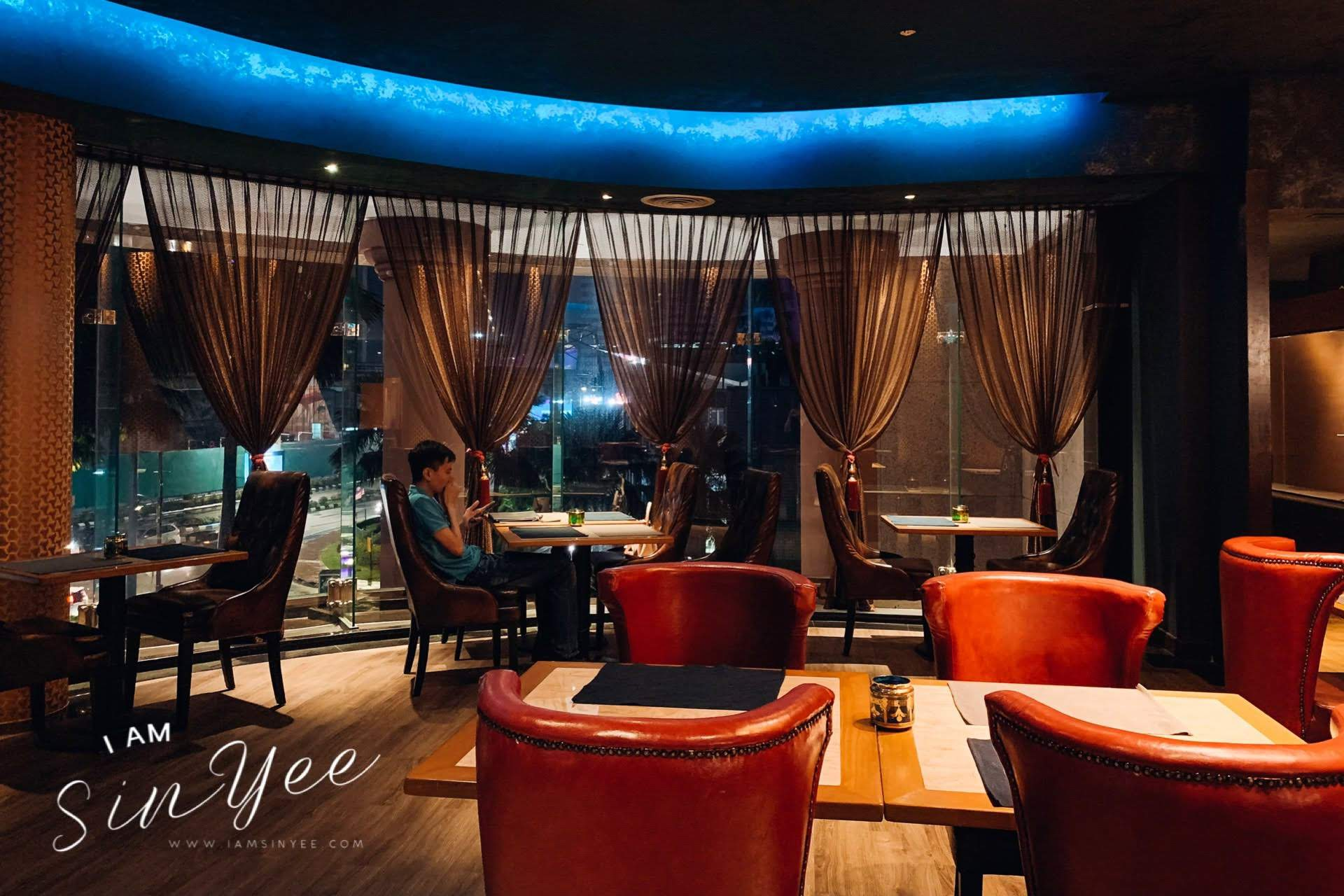 The Sultanate Restaurant Renaissance Hotel